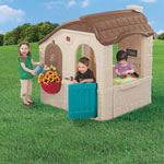 Plastic clubhouse for kids
