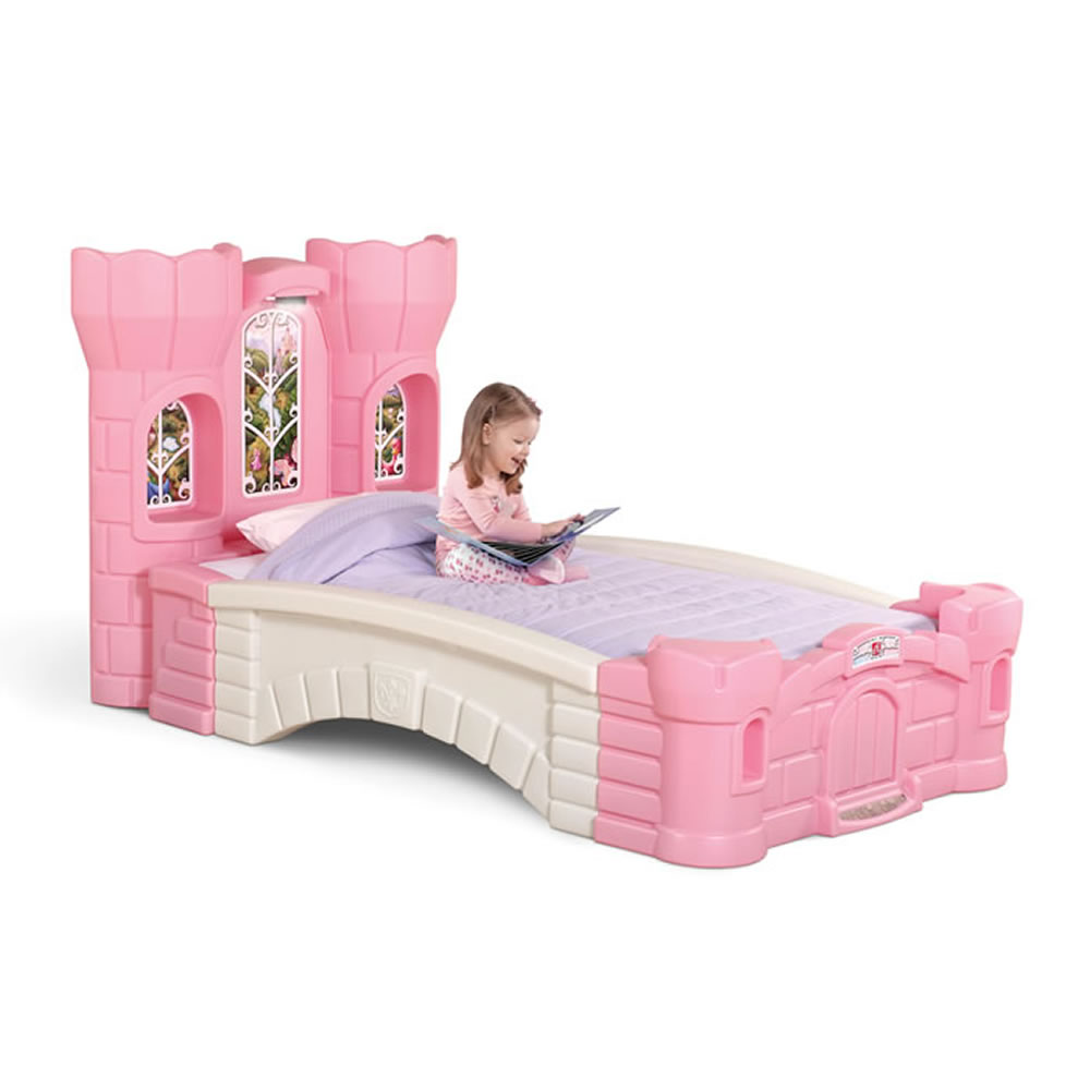 Princess palace twin bed kids furniture by step2 for Chambre bebe toys r us