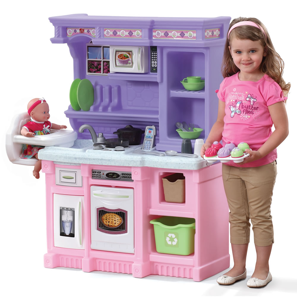 Little baker 39 s kitchen play kitchens step2 Realistic play kitchen