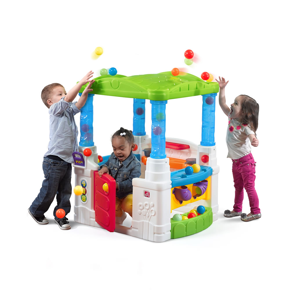 WonderBall Fun House Kids Playhouse Step2