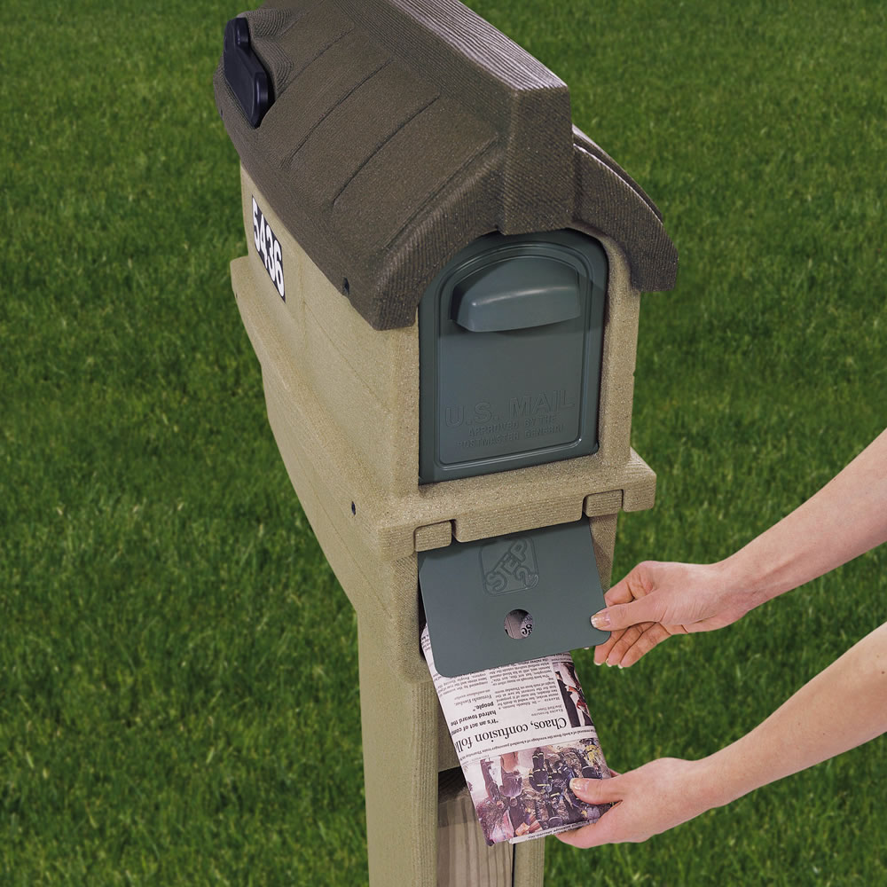 Step2 MailMaster Timberline Plus Mailbox rear newspaper access