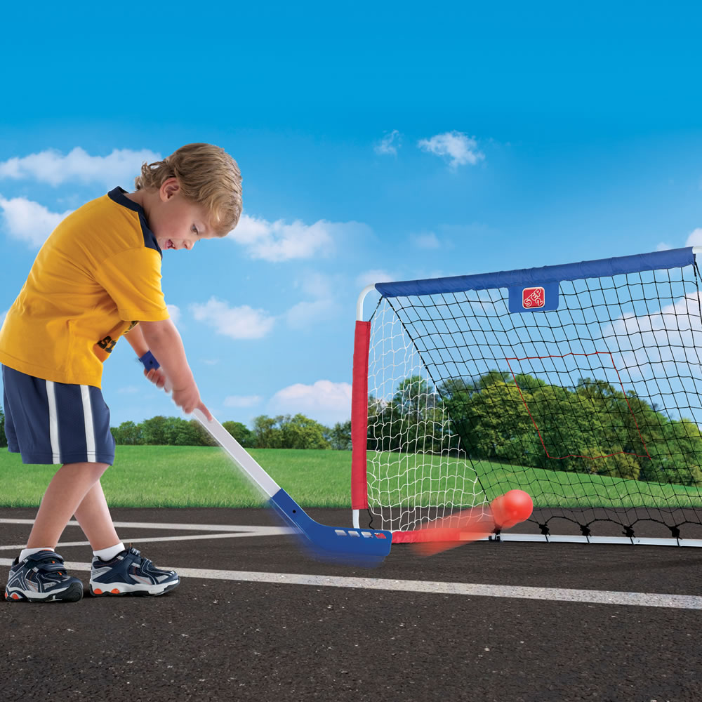 Step2 Kickback Soccer Goal & Pitch Back with hockey stick