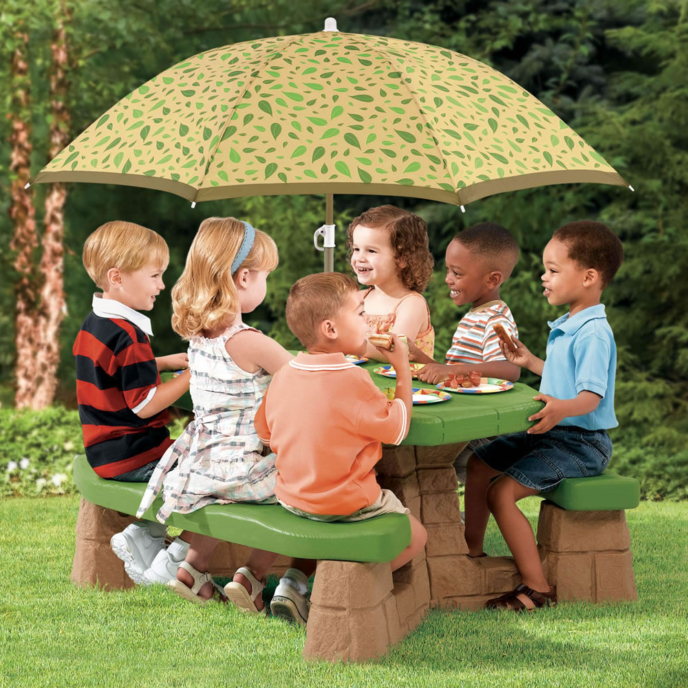 Step2 Naturally Playful Picnic Table with Umbrella Leaf Design