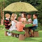 snack time for kids at play table