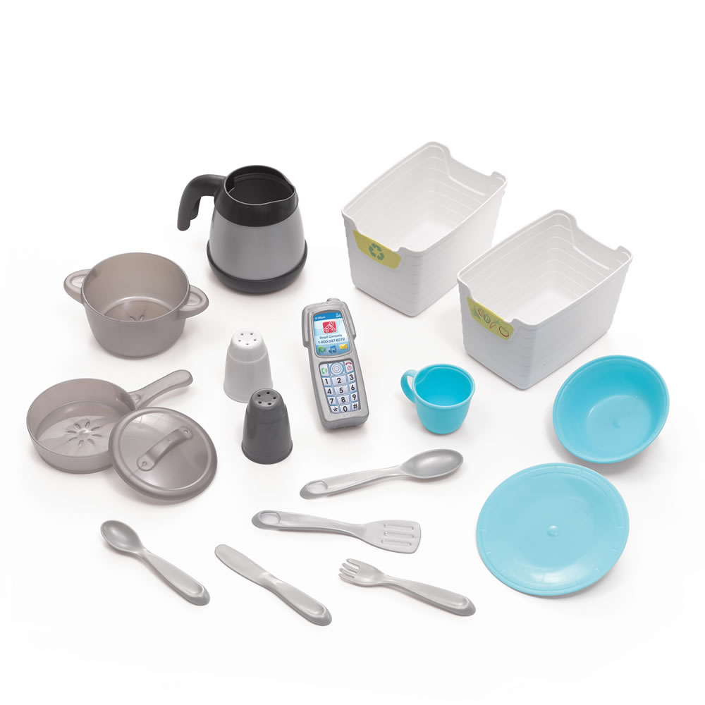 accessories for Dishin' Up Delights Kitchen™