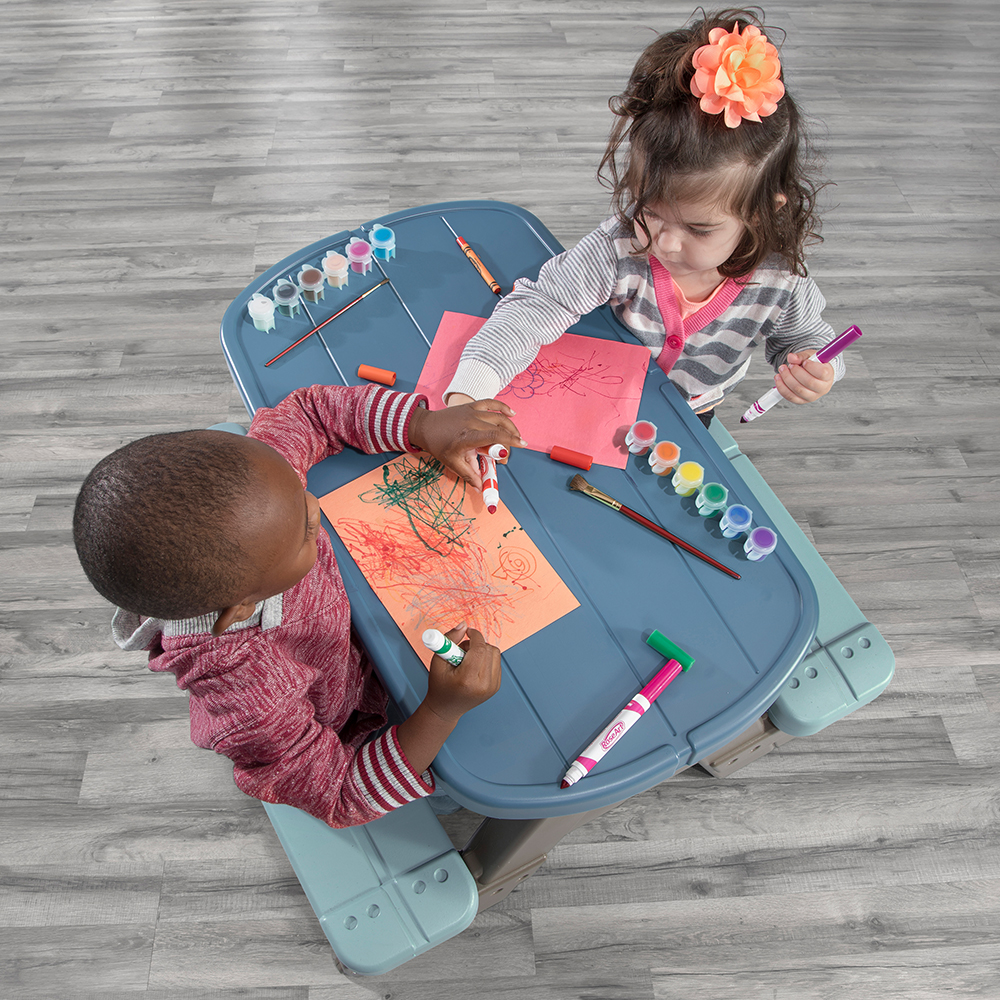 Step2 Picnic & Play Table with Umbrella art table