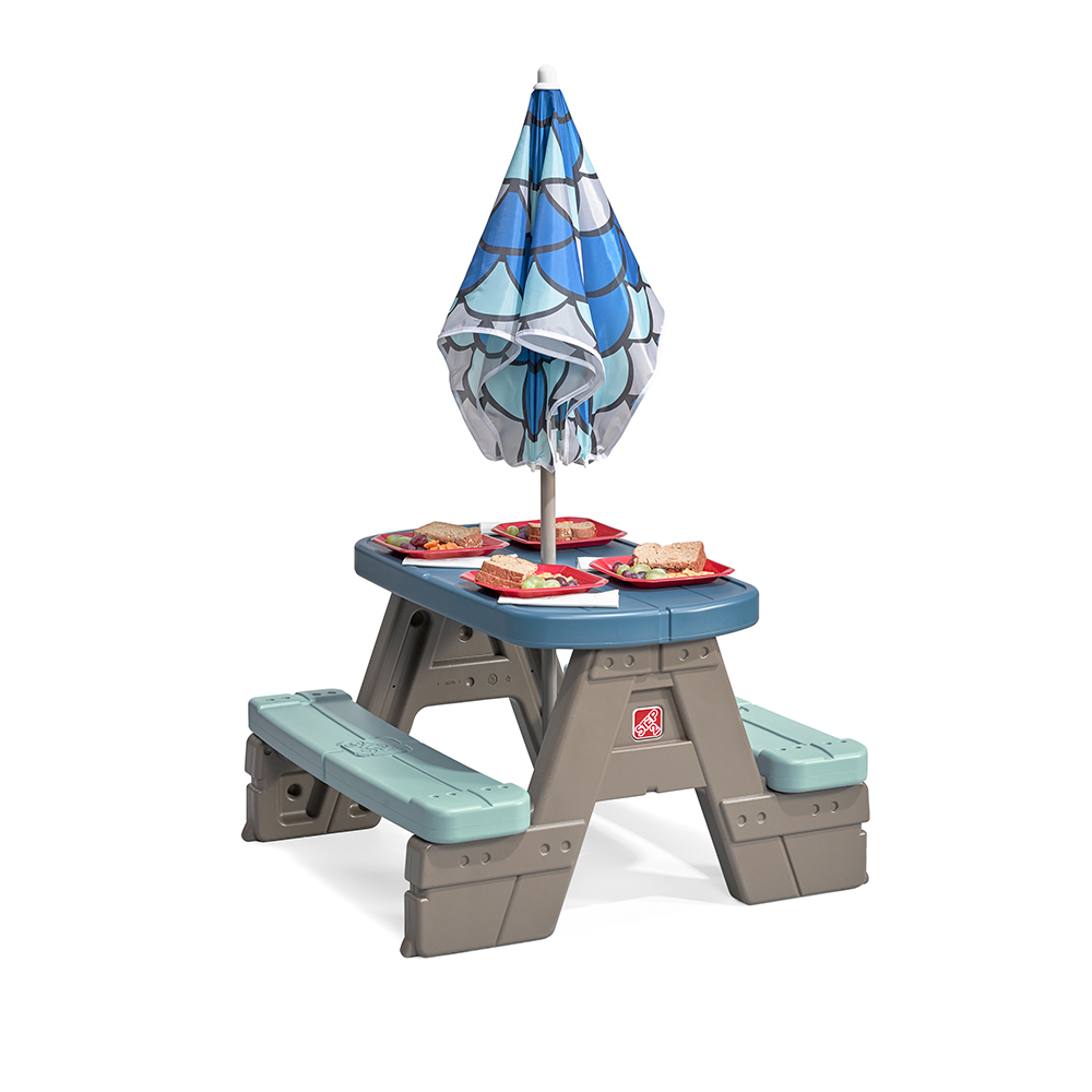 Step2 Picnic & Play Table with Umbrella picnic table