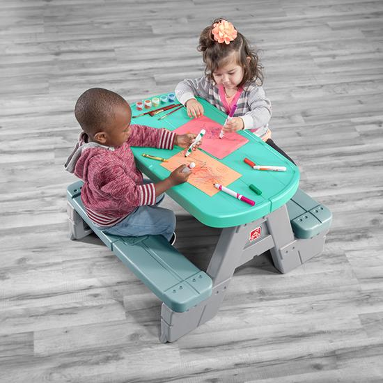 Step2 Sit & Snack Picnic Table craft surface