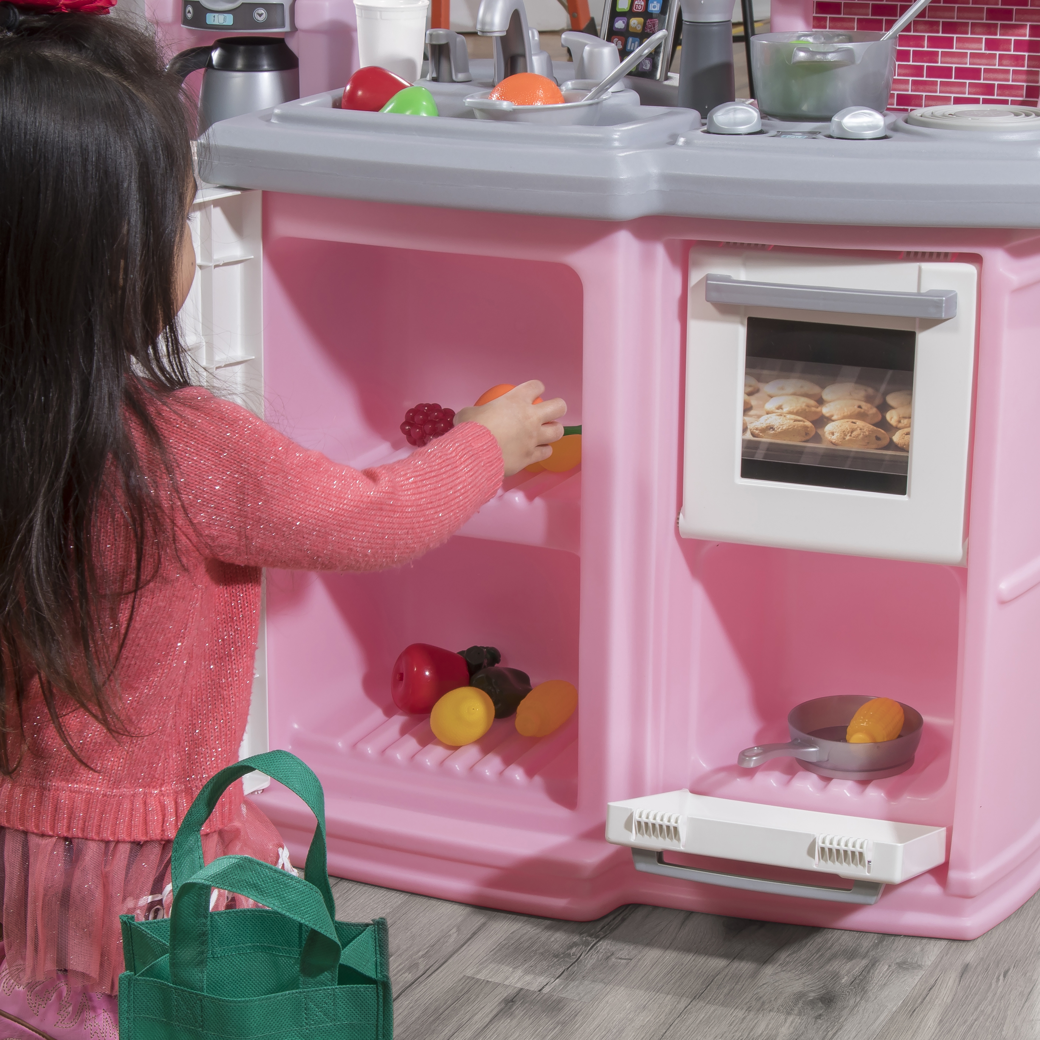 Step2 Great Gourmet Kitchen - Light Pink oven