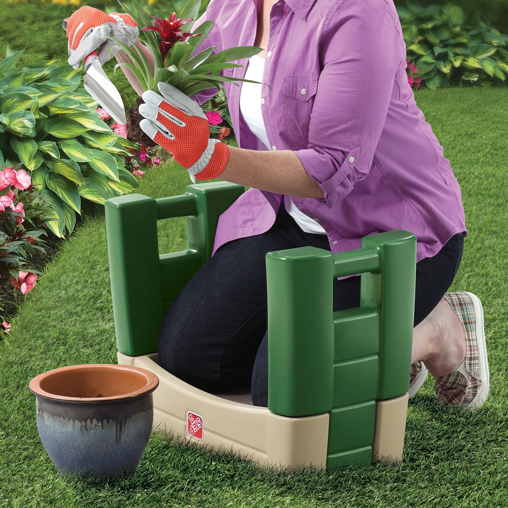 garden kneeler gardening product step2