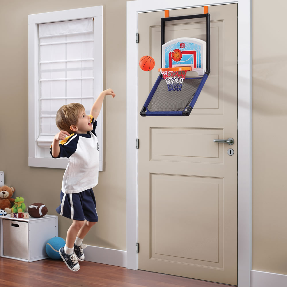 Step2 Floor to Door Basketball hung on door