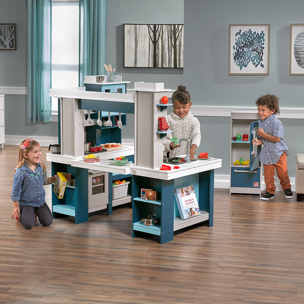 Grand Walk In Wood Kitchen Kids Play Kitchen Step2