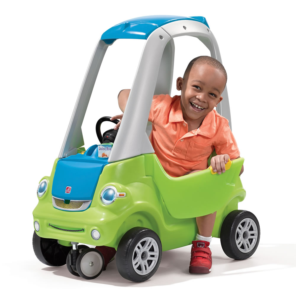 The perfect ride for hard-working kids, this Little Tikes Cozy Truck features rugged, off-road wheels and a flatbed with drop-down tailgate for toting toys.