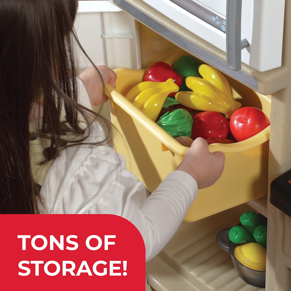 Plenty of storage space for kitchen accessories