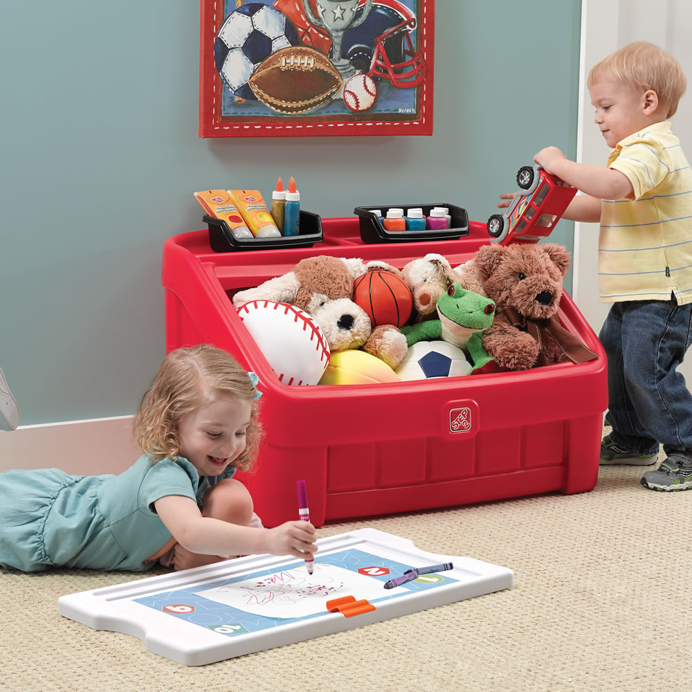 Step2 2-in-1 Toy Box & Art Lid Red removable art lid