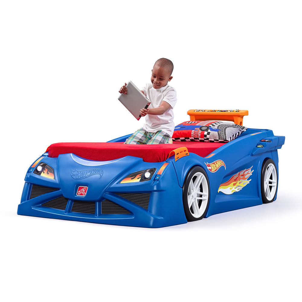 hot wheels toddlertotwin race car bed  kids bed  step - hot wheels™ toddlertotwin race car bed™