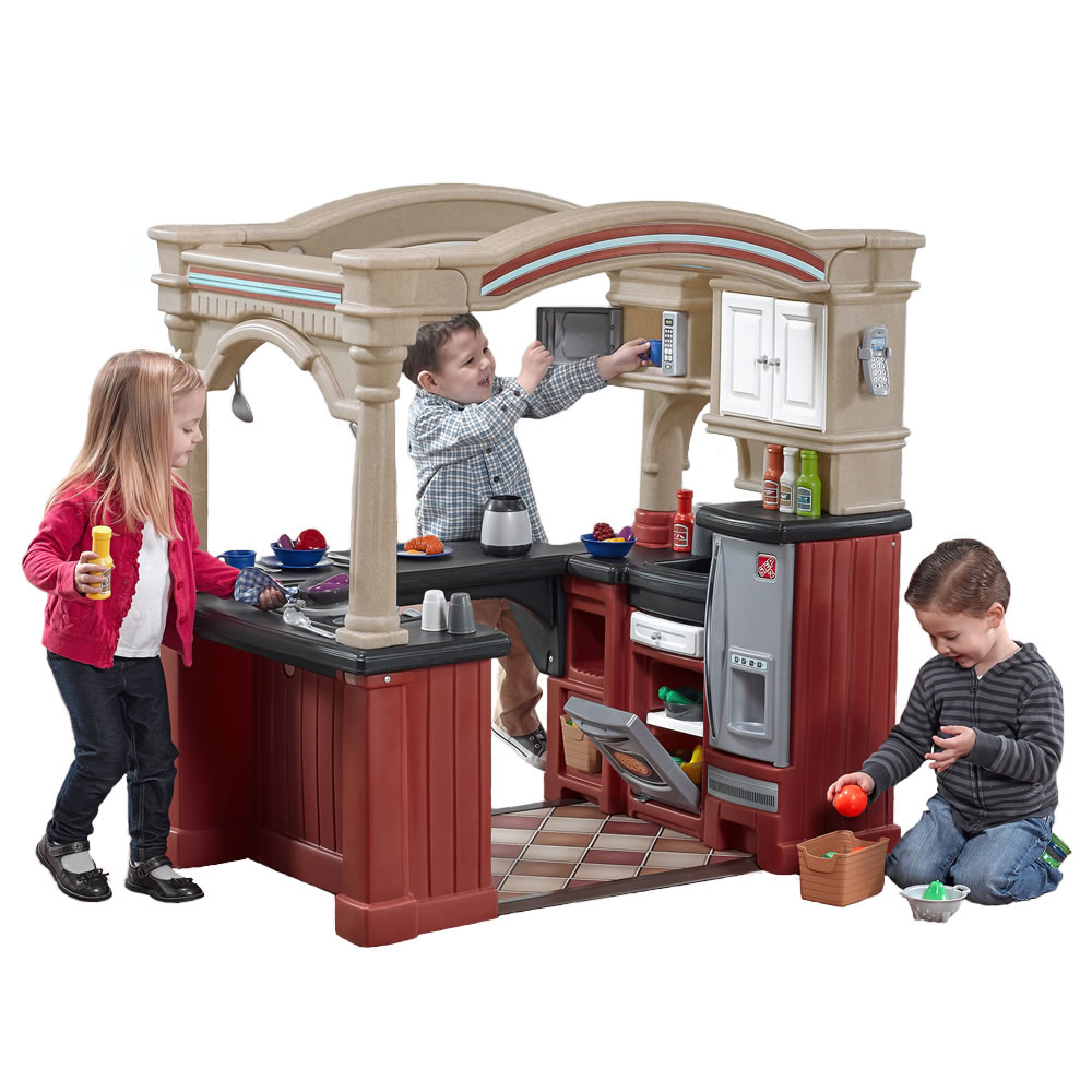 Grand walk in kitchen kids play kitchen step2 for Best kitchen set for 4 year old