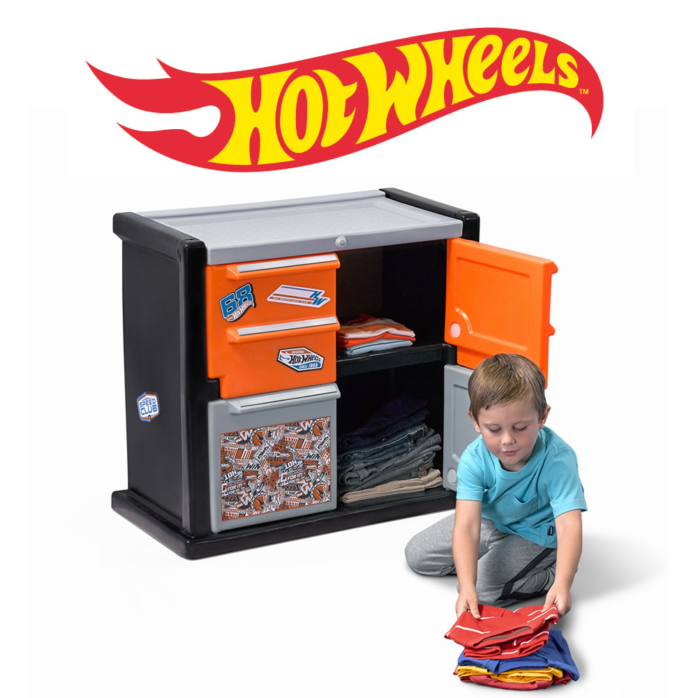Step2 Hot Wheels Race Car Dresser