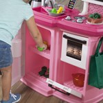 Step2 Pink Great Gourmet Kitchen stove & refrigerator