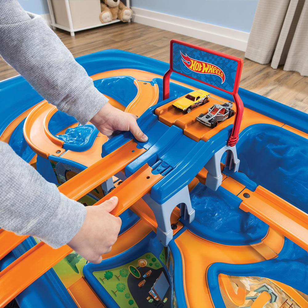 step2 hot wheels car track play table