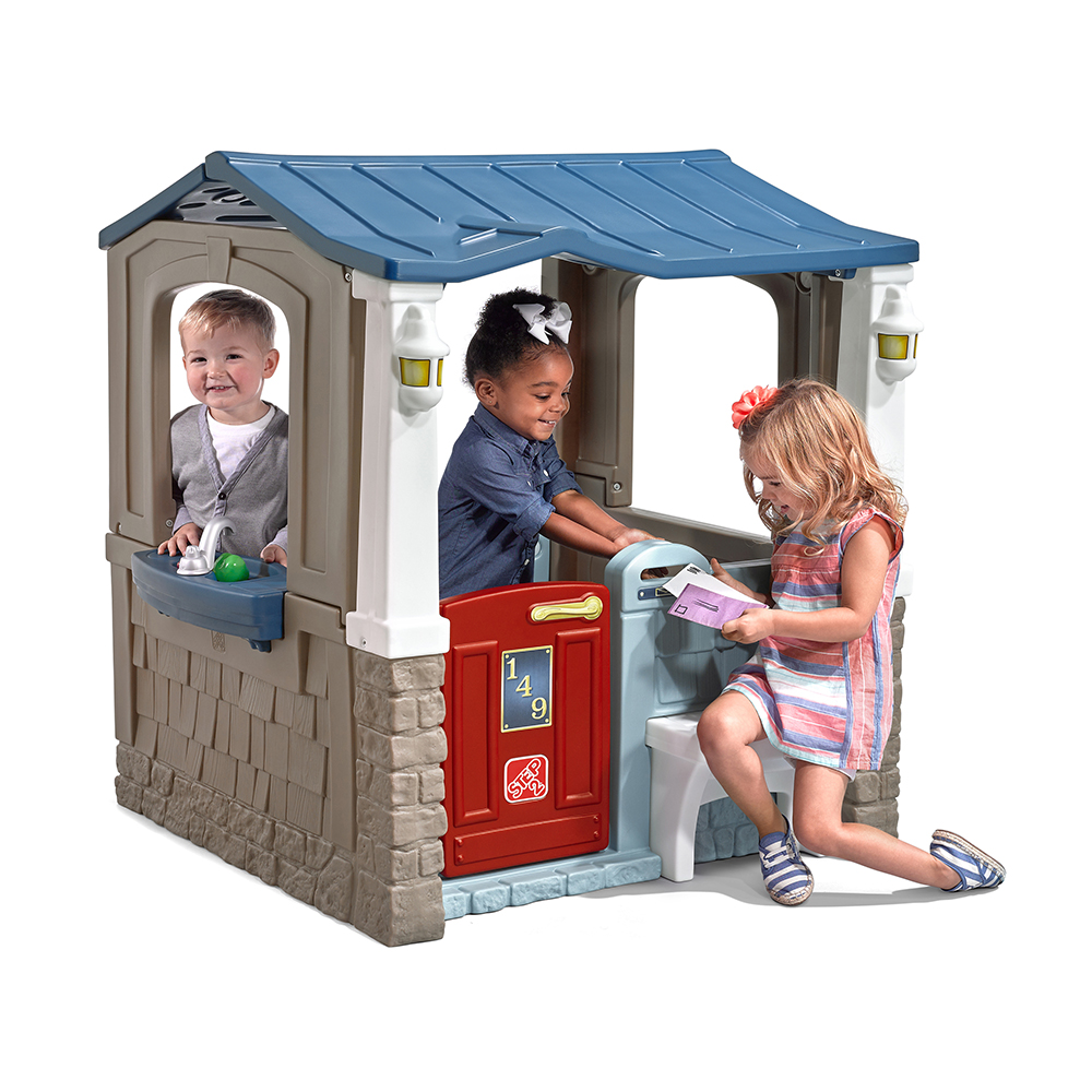 Step2 Seaside Villa Playhouse