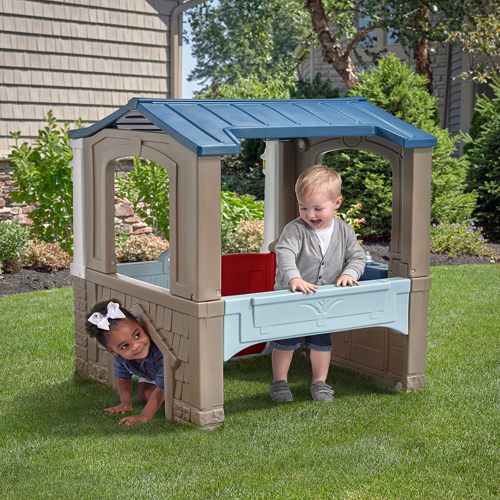 Step2 Seaside Villa Playhouse dog door