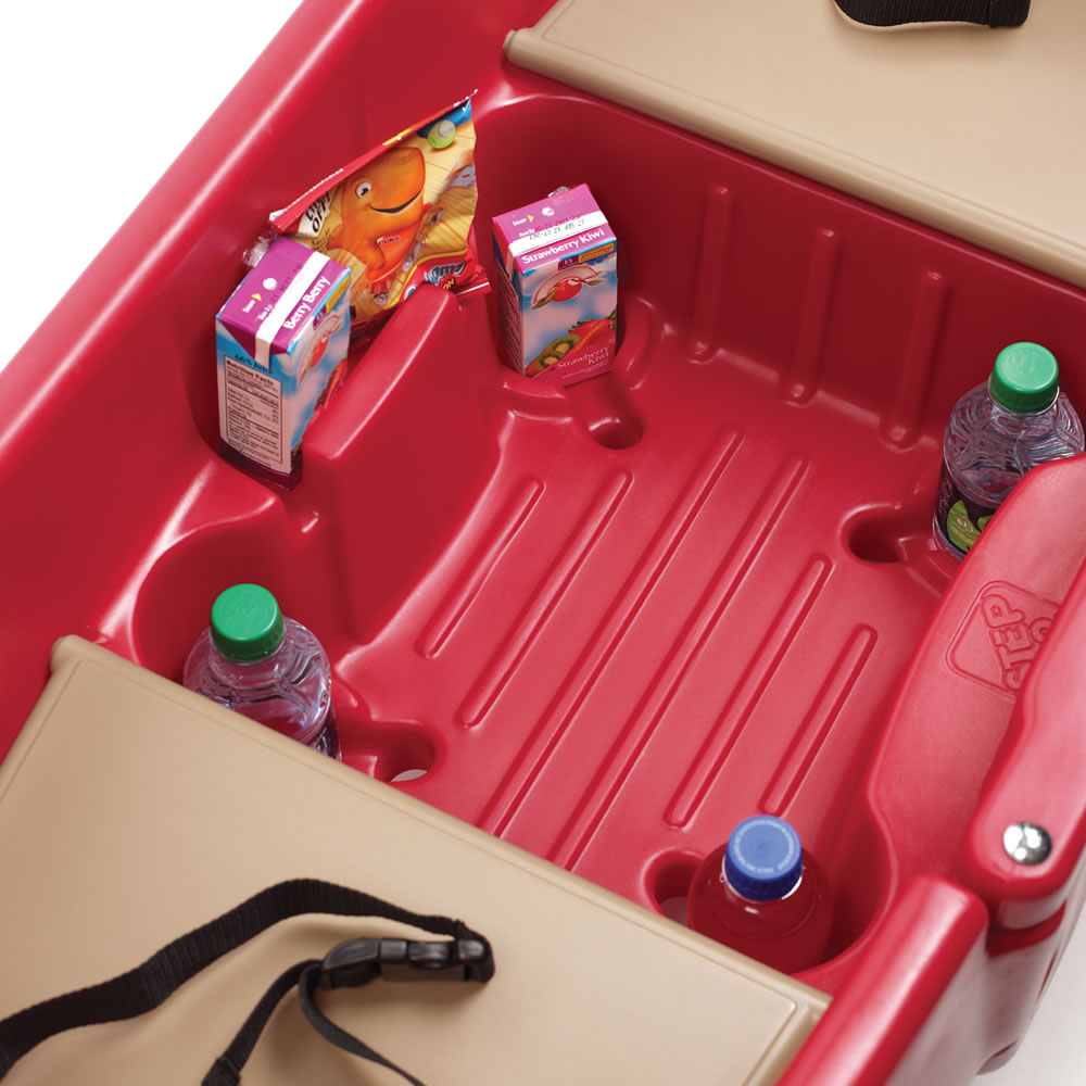 Step2 All Around Wagon snack and cup holders