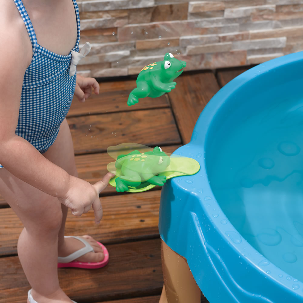 Step2 Duck Pond Water Table frog flipper